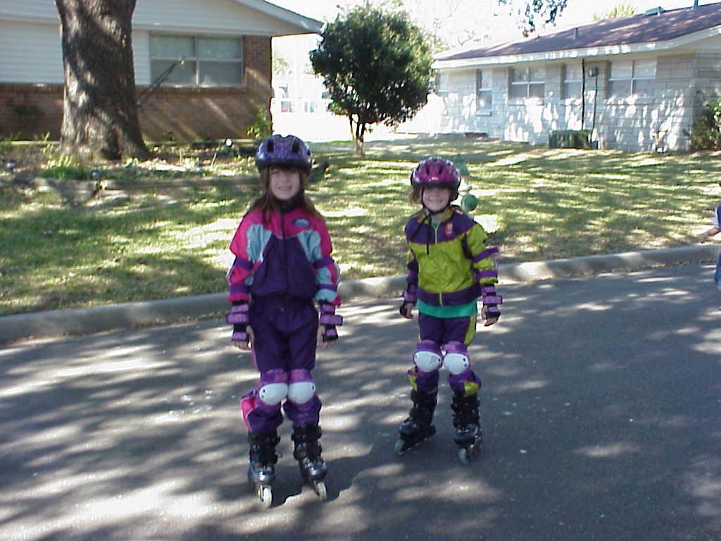 Roller Blades For Girls rollergirls1 jpg